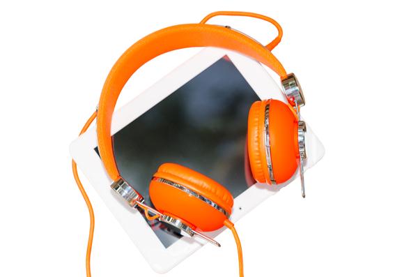 オレンジのゲーミングヘッドセット