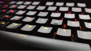 【2020年】FPSにおすすめのゲーミングキーボードランキング!キーの入力方式でキャラ操作が圧倒的に変わる!?