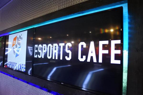 e-sports-cafeの正面入り口